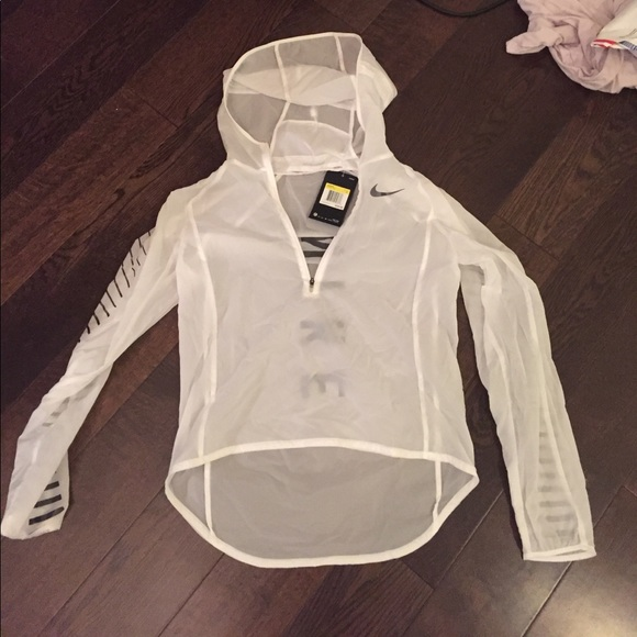4f76a46e766a Nike water repellent jacket