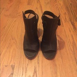 Slide heels with strap