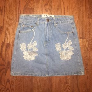 LIQUOR & POKER Denim embroidered skirt size UK8