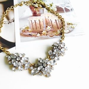 HELLO FALLJ. Crew crystal statement necklace