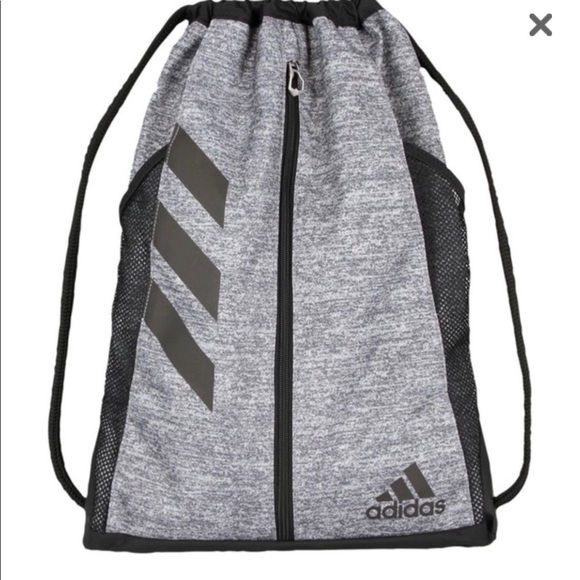 46b530d391 NWT Adidas Snackpack Bag