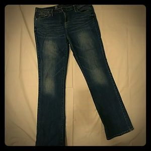 Curvy bootcut jeans!