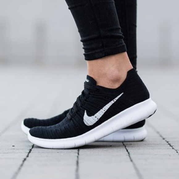 official photos a8df5 f9453 Nike Free Rn motion flyknit women's black sneakers NWT