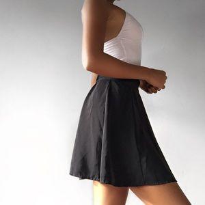 Brandy Melville black semi-pleated skater skirt♡