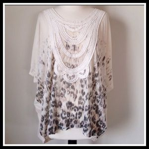 FREE PEOPLE EMBROIDERED FLOWY TOP