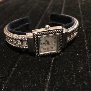 Accessories - Classy watch