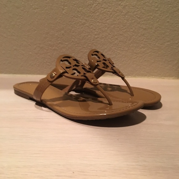 b8418557db10 Tory Burch Miller Sandal in Sand Patent Size 8.5. M 59ba02a7eaf0301bb600342d