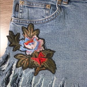 Ralph Lauren Jeans - Lauren Embroidered distressed denim cutoffs