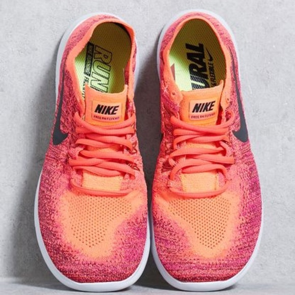 sneakers for cheap fc523 82a97 Select Size to Continue. M 59ba12228f0fc467800040a4