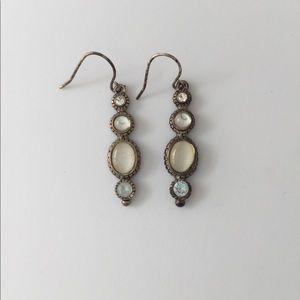 Jewelry - Hanging earrings