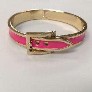 Jewelry - Pink and gold buckle bracelet