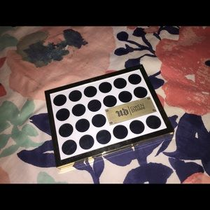 Urban Decay by Gwen Stefani Eyeshadow Palette