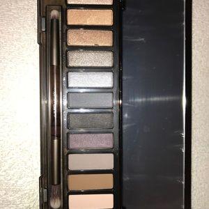 Urban Decay Makeup - Urban Decaynaked smoker eye pallet.  N W/O BOX