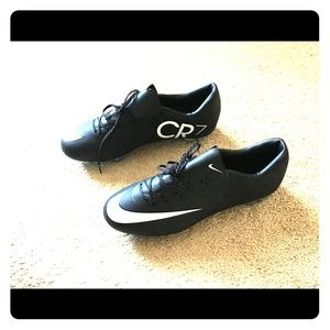 Other - New! Soccer cleats men's size: 7