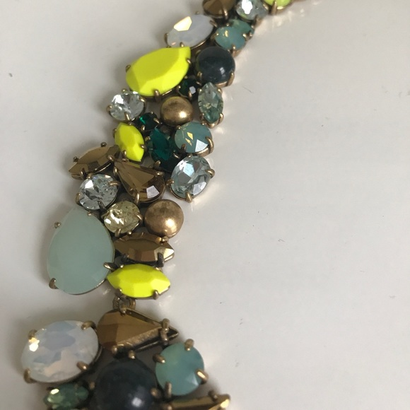 J. Crew Jewelry - J. CREW Flat faux crystal cluster necklace