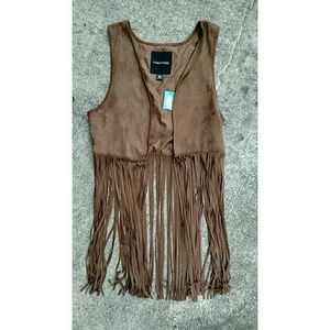 NWT Maurices faux suede fringe vest. Medium
