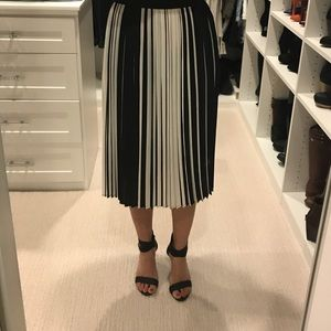 NWT Topshop pleated skirt