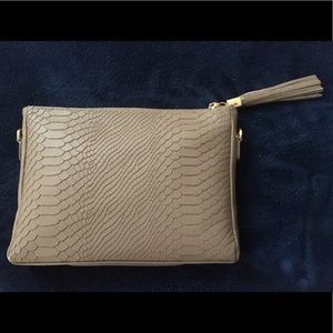 Oyster Hailey cross body bag excellent condition