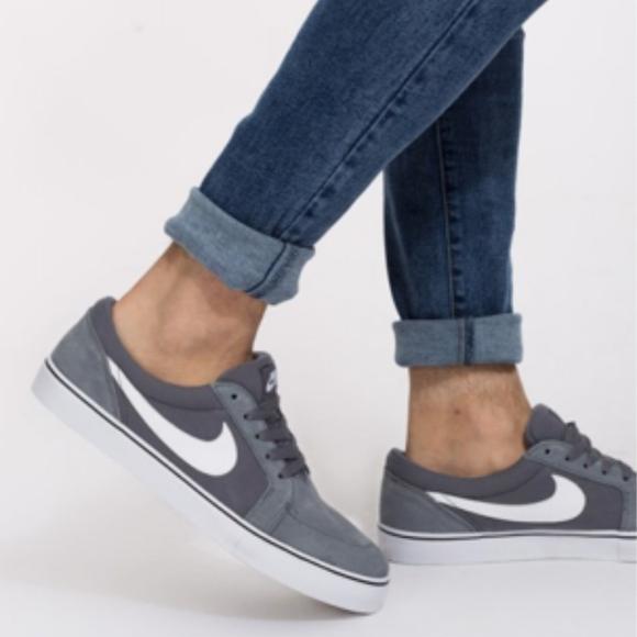 brand new 0377f cb90d Nike SB SATIRE II Mens Suede Skateboarding Shoes