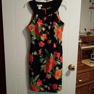 Kim Rogers,blk and floral Sz 6 Dress