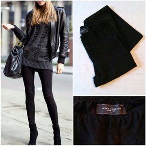 🔥Akira Black Suede Leggings