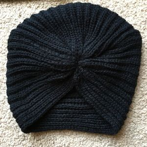 Accessories - Black turban winter beanie