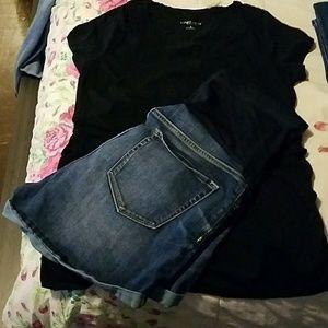 Maternity shirt and shorts