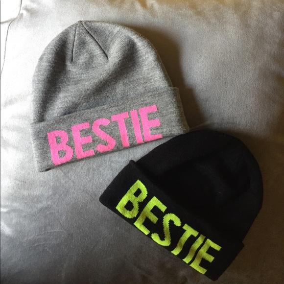 89209268 H&M Duo Bestie Winter Hats
