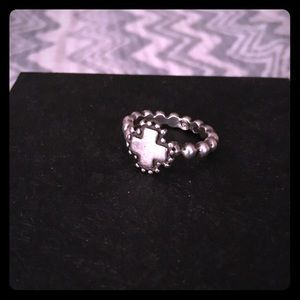 Jewelry - Sterling Silver Vintage Cross Ring 💘