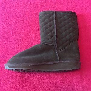 Emu Shoes - NEW w/o tag EMU BOOTS