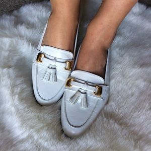 7.5 White leather loafers tassels gold horse bit