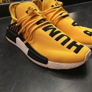 Adidas zapatos Pharrell Williams x raza humana NMD poshmark