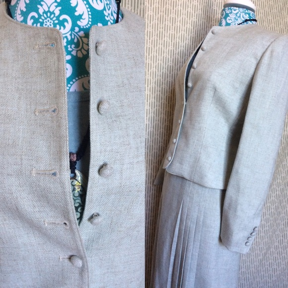 Vintage Dresses & Skirts - ⬇️ $78 Evan Picone Skirt Suit Set Mint Green