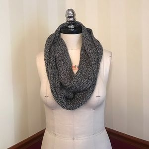 Madewell Knitted Infinity Scarf