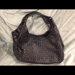 Bottega Veneta Bags - 100% Authentic Bottega Veneta Campana Bag 87103df707337