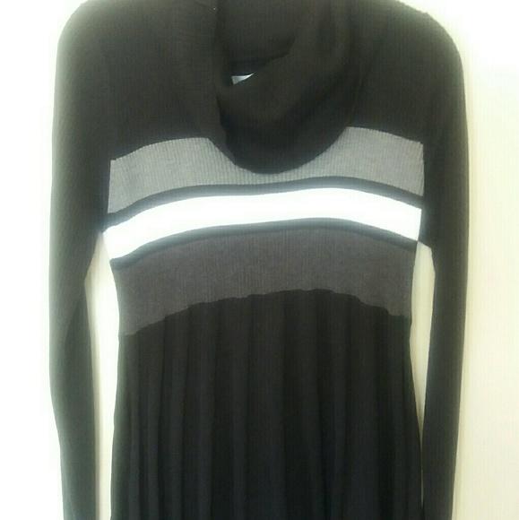 0bffe8c1e0 🔥CLEARANCE🔥NWT Black cowl neck sweater dress