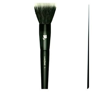 NEW Lancome highlighting brush