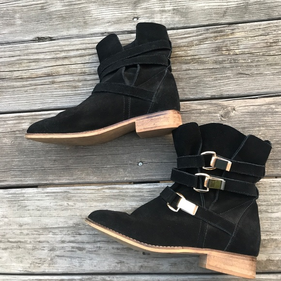 411569956db Steve Madden Black Suede Booties w/ Gold Buckles 9