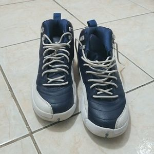 BLUE AND WHITE 12'S  SIZE 7Y