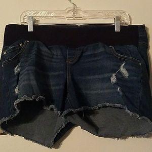 Maternity Short Shorts