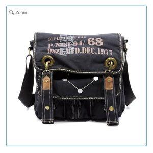 Handbags - 💰💰SALE-NEW-Military Canvas Messenger Bag