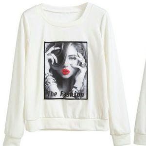 Sweaters - 🌿 GRAPHIC SWEATSHIRT 🌿