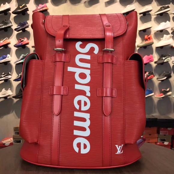 21418f89000e Louis Vuitton CHRISTOPHER PM Backpack LV X Supreme.  M 59bb1e48d14d7b88e000126c