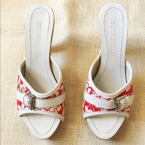 Used Burberry Wooden heels. Red and white. Size 37