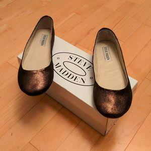 EUC Steve Madden Bronze Leather Ballet Flats