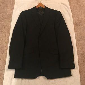 Kenneth Cole Reaction 2 piece suit 40R