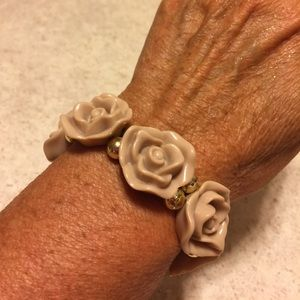 Jewelry - 🌹BNWOT ACRYLIC 3D TAUPE ROSE BRACELET 🌹