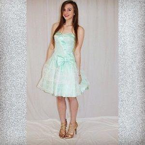 Vintage 80s Mint Prom dress