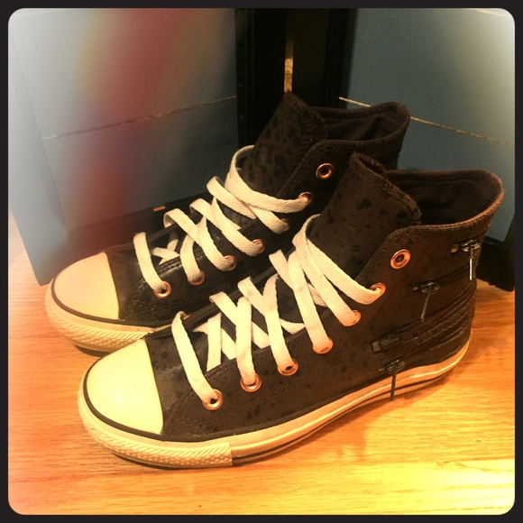 68d0affd5f13 Converse Shoes - 💥MUST GO - Converse Leather Zipper High Tops