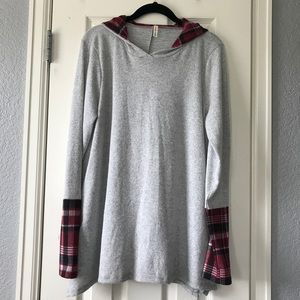 Tops - 🌺NWOT🌺 Soft Hooded Sweater